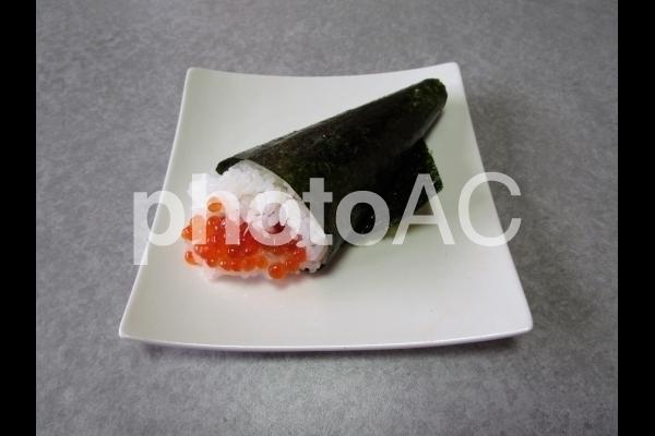 いくらの手巻き寿司.jpg